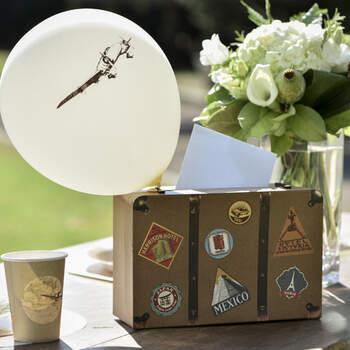 Caja para sobres y mensajes Maleta- Compra en The Wedding Shop