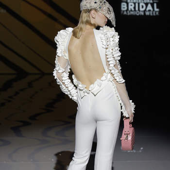 Isabel Zapardiez. Credits_ Barcelona Bridal Fashion Week