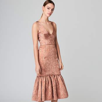 Plissé lamé flared cocktail dress. Credits: Oscar de la Renta
