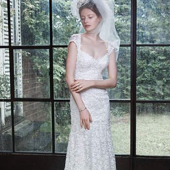"""<a href=""""http://www.maggiesottero.com/dress.aspx?style=5MT664"""" target=""""_blank"""">Maggie Sottero</a>"""