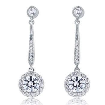 Photo : Carini Accessoires. Boucles d'oreilles pendantes en argent 925 avec zircon Swarovski 1 carat