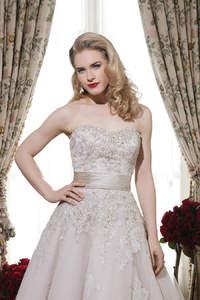 Sehen Sie hier die traumhaften Brautkleider-Kollektionen 2015 von  Justin Alexander und Justin Alexander Signature!
