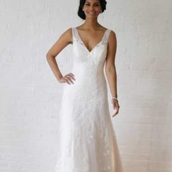 Chic et raffinée. Crédit photo : Robe de mariée David´s Bridal 2013  New York Bridal Fashion Week, printemps 2013.