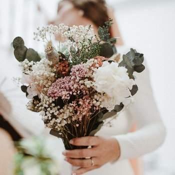 Créditos: Flores en el Columpio