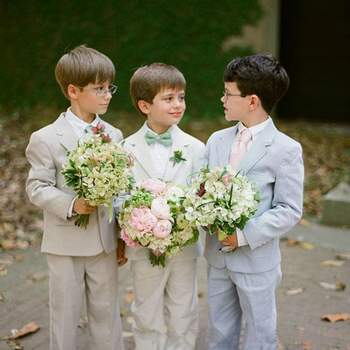 Photo: Virgil Buano Photography via A Low Country Wedding