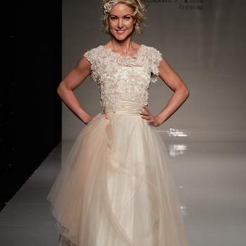 Happy brides, layers of texture, flowers and lace. Could it get any sweeter? One of Zk's favourite designers has launched her 2013 collection and we love it! Check out the tulle layers, check out the cinched-in waists, check out the carefree vibe. If this is you, then Stephanie Allin could be your designer! All images: ©Stephanie Allin at White Gallery London