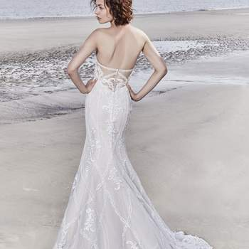"""<a href=""""https://www.maggiesottero.com/sottero-and-midgley/kingsley/11546"""">Maggie Sottero</a>"""