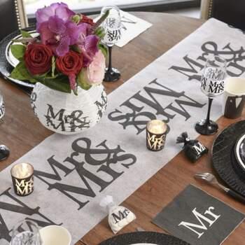 Rouleau De Table Mr Et Mrs - The Wedding Shop !