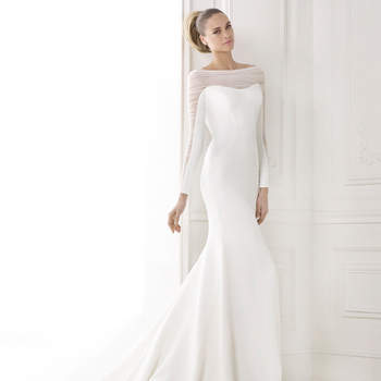 """<a href=""""http://zankyou.9nl.de/emzo"""" target=""""_blank"""">to make an appointment at your nearest Pronovias store</a>"""