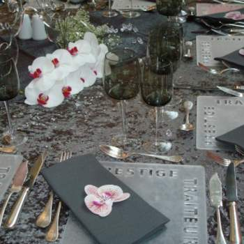 Serviette de table colorée pour vos tables de mariage, thème baroque - Photo : One Day Event