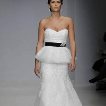 Vestido de noiva com saia peplum da colecção Alfred Angelo Primavera 2013