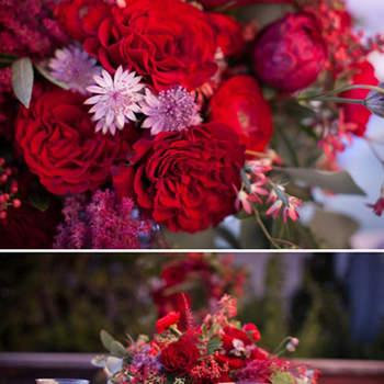 Centre de table fleuri et coloré. Source : Style Me Pretty, Halberg Photographers