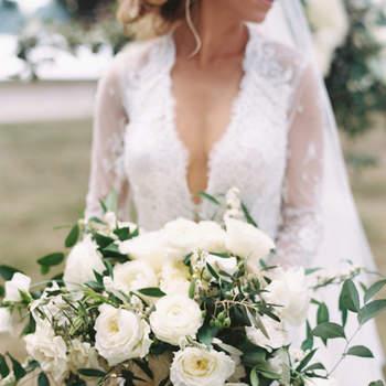 Bouquet de mariée fleurs blanches  Lisa Ziesing pour Abby Jiu Photography