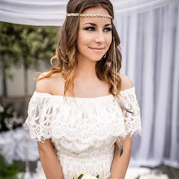 Foto: VINTAGE WEDDING PHOTOGRAPHY – Alexander Riss / Floristik: Blattwerk – Sabrina Knell