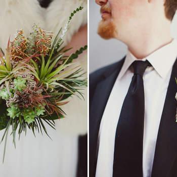 Oeillet à la boutonnière et bouquet champêtre, voilà de quoi donner une touche de fraîcheur ! Source : Green Wedding Shoes