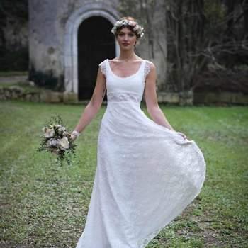 Robe de mariée intemporelle modèle Cornaline - Crédit photo: Elsa Gary