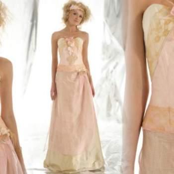 Robe de mariée Elsa Gary 2012, modèle Ephémère. Fleurs et broderies en nombre et camaïeu de beiges donnet beaucoup de chic à cette robe. - Source : Elsa Gary