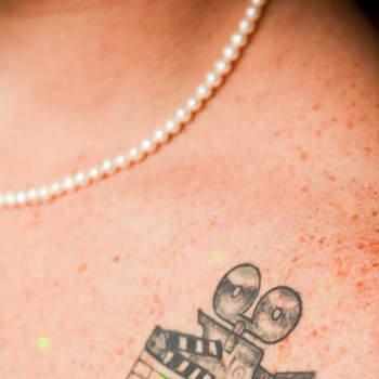 O que mais vemos hoje em dia são noivos com personalidades cada vez mais diversas. Inspire-se nas mais lindas tatuagens de noivas!