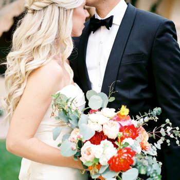 Penteado para noiva com cabelo semi preso e trança   Credits: Leslie D Photography