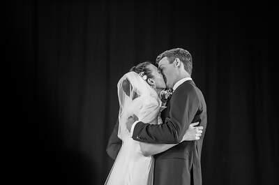 Der Hochzeitskuss in der Kirche - Sie dürfen die Braut jetzt küssen!