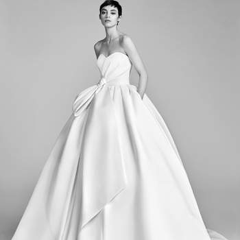 Bow Drape Ballgown. Credits: Viktor and Rolf