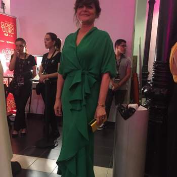 Vestido: Carolina Herrera Foto via IG @oficialjuliapinheiro