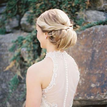 Cabelo de noiva preso   Credits: Michelle Lange Photography