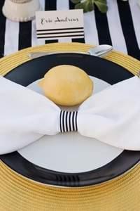 Hochzeitsdekoration mit Streifen – so wird´s gemacht!