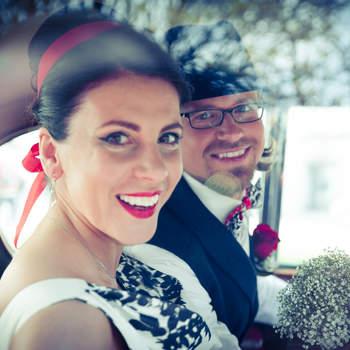 Gute Menschen finden gute Fotografen ValPhotography.at - Mit mehreren Auszeichnungen und Preisen für Hochzeitsfotografie.  Fotografen aus Leidenschaft beschäftigten sich schon in der Kindheit mit Fotografie. Mehr als 10 Jahre als Fotograf tätig. Lieben: Fotografieren über alles. Wir sparen keine Zeit und geben immer alles von uns, um die besten Fotos zu shooten! Fotografen wie keine anderen, Ihre professionellen Fotografen für die Hochzeit, lebendig und kreativ! Fotografen, die sich von eurer Liebe ins Herz flüstern lassen. Fotografen, die Ihrem Hochzeitstag mit schönen Foto verewigen.