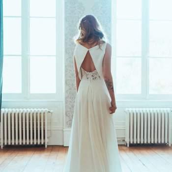 Robe de mariée chic et moderne modèle Rachel - Crédit photo: Elsa Gary