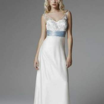 O vestido de noiva deve seguir o estilo e personalidade da noiva. A Blumarine Sposa nos mostra sua coleção 2013, super romântica. E o melhor, se quiser fugir do tradicional branco, opções não faltam nesta coleção com tons de azul!