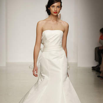 Robe de mariée bustier évasée en bas : un modèle chic et glamour. Amsale 2013