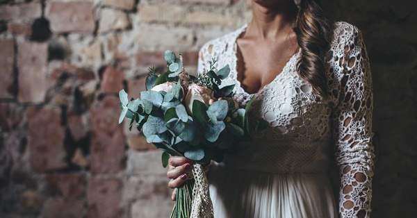 Quanto Costa Il Bouquet Della Sposa.Quanto Costa Un Abito Da Sposa Al Giorno D Oggi La Parola