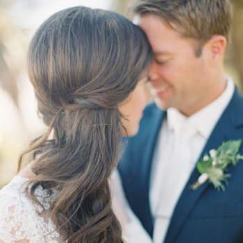 Penteado para noiva com cabelo semi preso | Foto: Diana McGregor