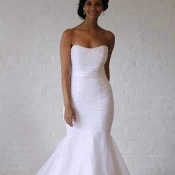 Ultra féminine. Crédit photo : Robe de mariée David´s Bridal 2013  New York Bridal Fashion Week, printemps 2013.