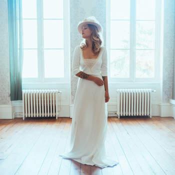 Robe de mariée chic et moderne modèle Flavie - Crédit photo: Elsa Gary