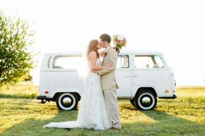 Decorating the wedding car - from funny to funky