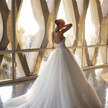 Vestido de noiva modelo Sabu da coleção Pronovias 2021 Cruise Collection
