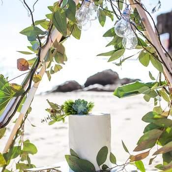 Inspiração para Bolos de casamento na praia | Créditos: Açúcar À La Carte