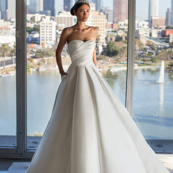 Créditos: Pronovias Cruise 2021 | Modelo do vestido: Jurado