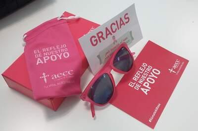 ¡Súmate al rosa con las gafas solidarias de la AECC!