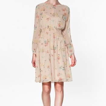 """<a title=""""Zara"""" href=""""http://www.zara.com/"""" target=""""_blank"""">Verifique o preço deste vestido e conheça a restante colecção Zara Primavera/Verão 2012 aqui.</a>"""