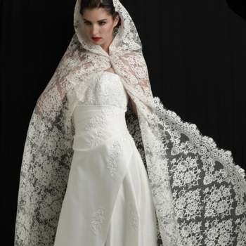 Voile de mariée Noblesse en dentelle de Calais. Crédit photo: Mariage Pronoce