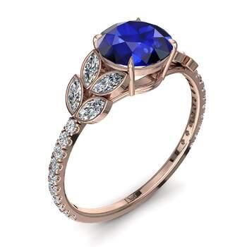 Photo : Diamants et Carats - Modèle : Angela sertie d'un saphir et de diamants en or rose