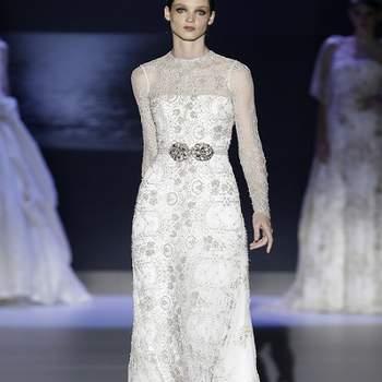 Imprimés, transparence et ravissante ceinture marquant la taille. Photo : Barcelona Bridal Week
