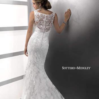 """Vestido de novia elegante y sofisticado. El modelo cuenta con escote estilo barco y un marco desnudo en la espalda. La silueta es ceñida y la falda desemboca en una preciosa cauda con bordados de encaje. El terminado es con botones sobre cierre.   <a href=""""http://www.sotteroandmidgley.com/dress.aspx?style=72403"""" target=""""_blank"""">Sottero &amp; Midgley Platinum 2015</a>"""