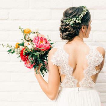 Penteado para noiva com cabelo preso   Foto: Vienna Glenn
