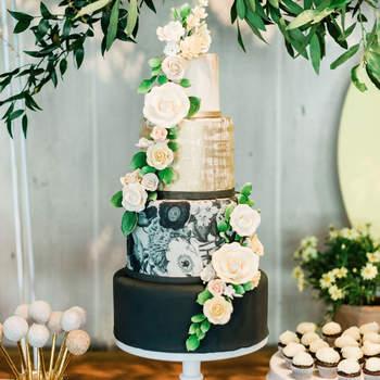 Inspiração para bolos de casamento de 4 andares | Créditos: Jillian Rose Photography