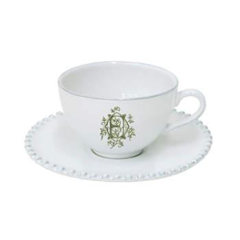 Jogo de café e chá gravado com iniciais. Credits: Las Vajillas de Matilda