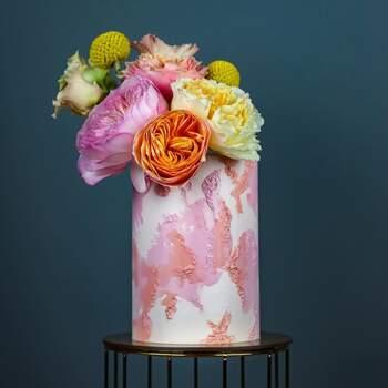Foto: Misshavishamscakes - pastel en tonos rosas y amarillos